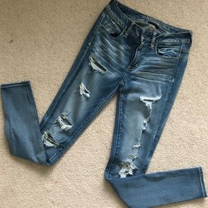 American Eagle Mid-rise Distressed Jeggings